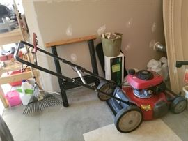 HONDA  Self propelled lawn mower.