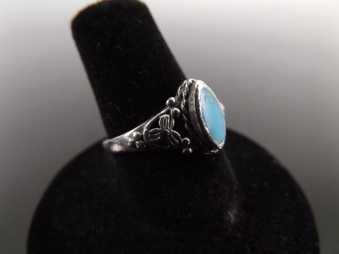 .925 Sterling Silver Turquoise Cabochon Ring Size 7