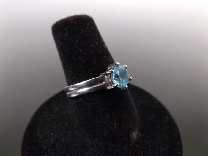 .925 Sterling Silver Aquamarine Solitaire Ring Size 6.75