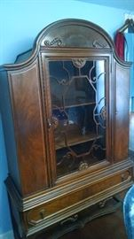 ***GORGEOUS**** 1920'S CARVED / CURVED CHINA HUTCH