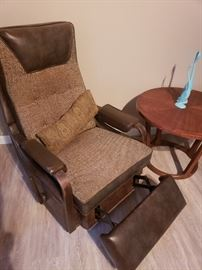 1955 Lay Z Boy recliner chair in working condition