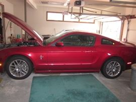 2013 RED V6 PONY PACK MUSTANG 2DSD ONLY 12,000 MILES!! MINT LIKE NEW CONDITION GARAGED