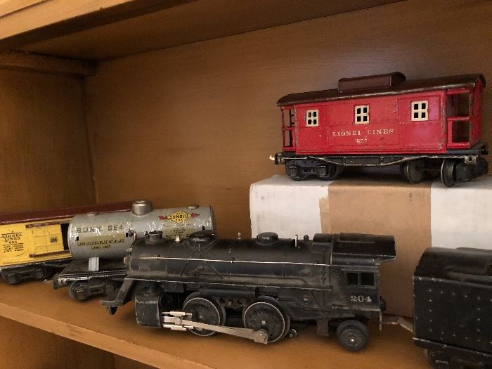 Lionel Trains come and go... but this one makes an awesome display