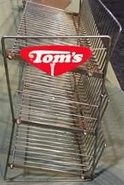 TOM'S SNACK RACK