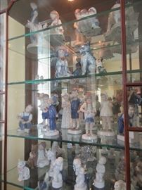 Large collection of B and G. Lladro and Makkum