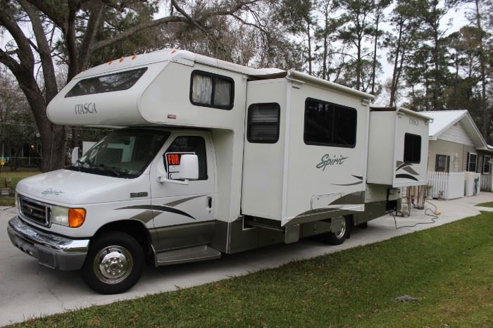 2006 ITASCA SPIRIT, 27FT CLASSIC MOTOR HOME WITH 2 SLIDOUTS, V10, WITH 49,000 MILES, IN GREAT SHAPE