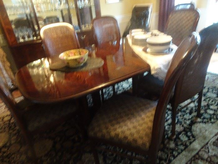 "Bernhardt Dining Room Table with 8 Chairs, 2 Leaves -44""W X  78""L X  30""H"