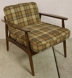 Vintage arm chair by Stanley