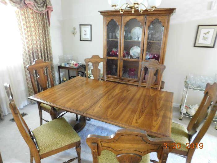 Nice dining room set.