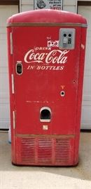 Coca Cola Machine Model VMC242
