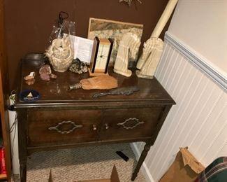 liquor cabinet / sideboard