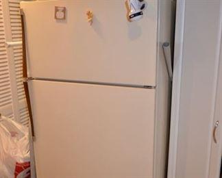 Kenmore refrigerator, turkey roaster