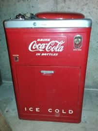 Vintage Coca-Cola Vendo 23 Spin Top Chest Bottle Dispenser Machine Model A23B5K