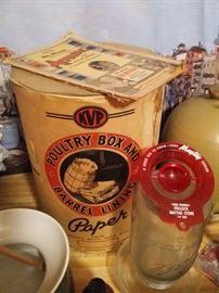 Vintage KVP Poultry box and barrel lining paper, advertising egg separators