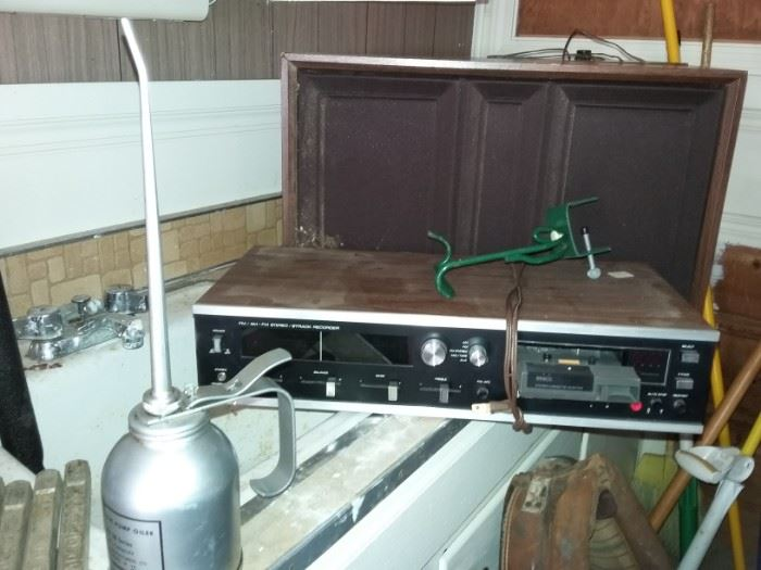 Stereo, Oil Cans