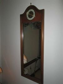 LONG MIRROR WITH CLOCK