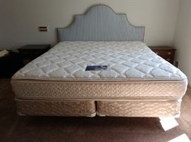 Small King/Large Queen Serta Perfect Sleeper