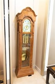 Ridgeway Grandfather Clock - great looking - great condition - keeps great time!