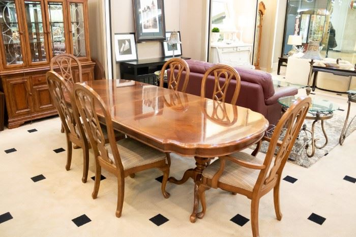 Formal Dining Table 6 chairs - 2 leaves - SO NICE