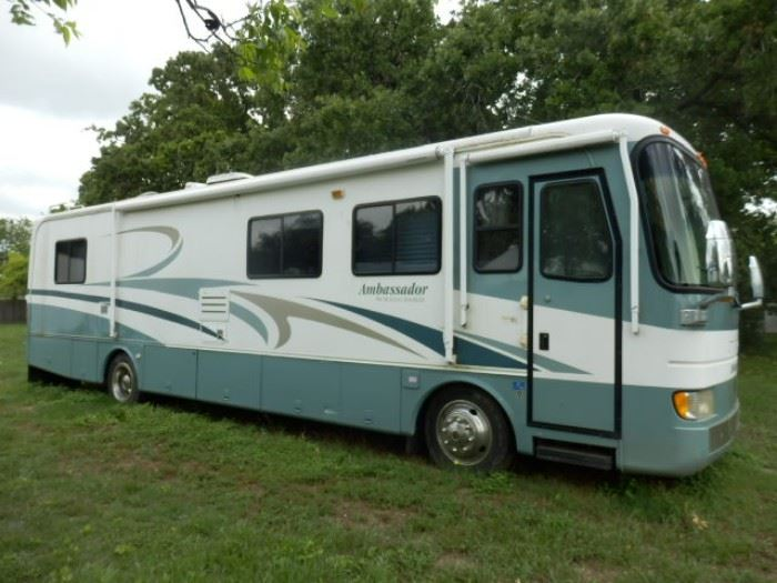 2000 Ambassador RV, 36 Foot With Reserve Price, Diesel, Great shape