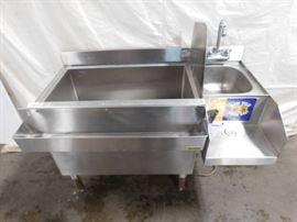 3 Foot Krowne Ice Well with Handwashing Sink..