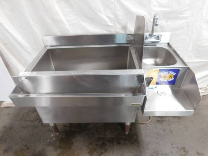 3 Foot Krowne Ice Well with Handwashing Sink..