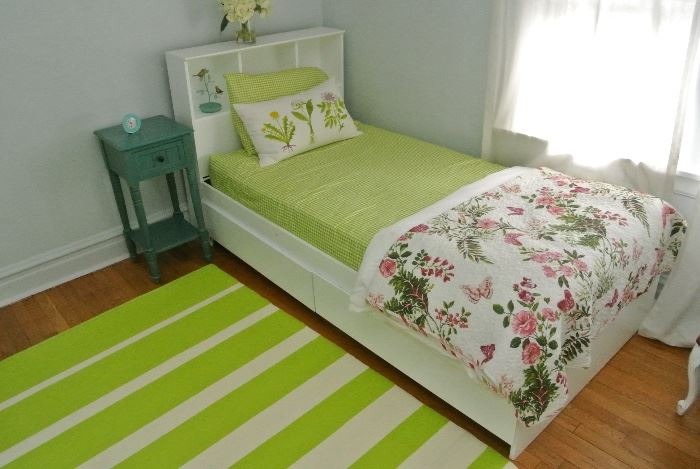 Really nice Kids bed,and Mattress $75