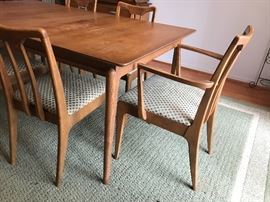 Drexel Dining Table with 6 chairs
