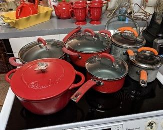Pioneer woman and Rachael Ray Pots and dutch oven