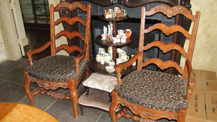 Dumbwaiter Table, Set of 5 Chairs