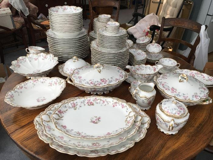 Haviland Limoges - over 100 pieces
