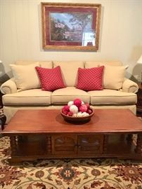 'Like New' Henredon sofa