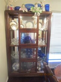 Beautiful Display cabinet.  Doors (2) slide left to right.