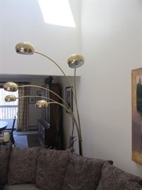MID CENTURY BRASS MULTI LIGHT ARC FLOOR LAMP W/MARBLE BASE