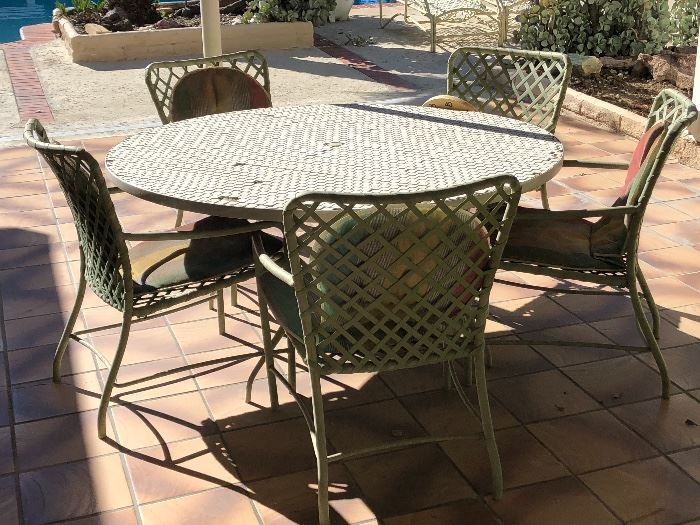 Brown Jordon patio set