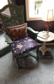ASSORTED ANTIQUE SITTING CHAIRS