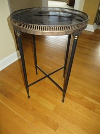 BLACK ACCENT TABLE WITH RAISED IRON EDGE