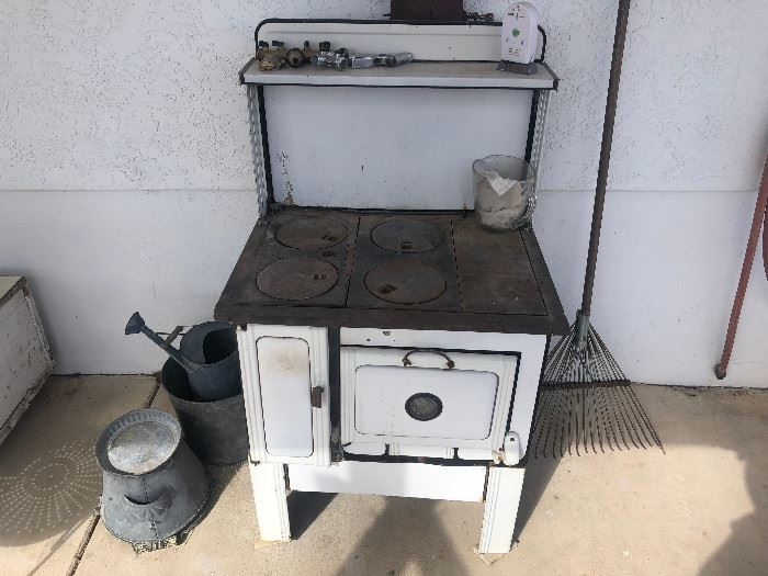 small working wood cook stove