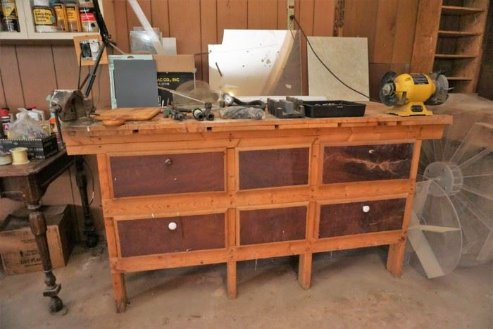 Workbench with vise and grinder