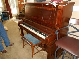 Upright piano (price does NOT include moving)