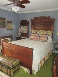 Antique Victorian Bedroom Set!  Beautiful!