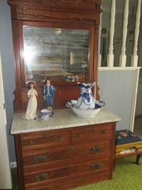 Antique Bedroom Set Dresser with Marble Top & Mirror!