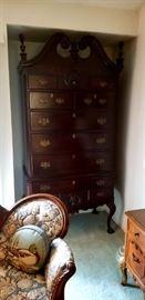 19th century Philadelphia Chest of drawers