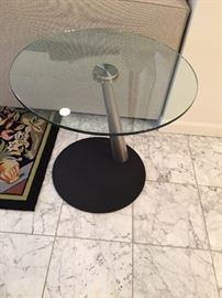 Contemporary Glass End/Accent table