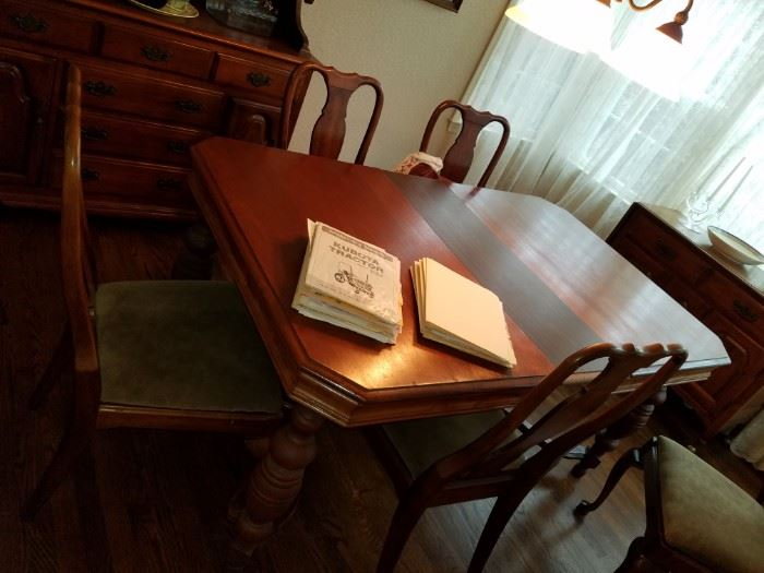 Antique Dining room table, solid Queen Anne chairs,