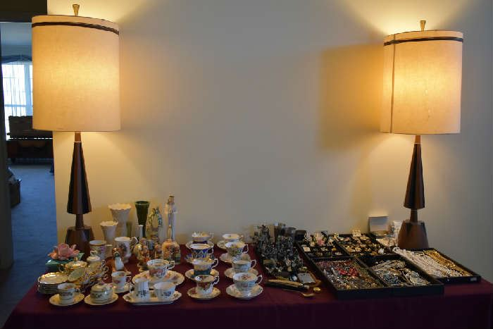 FRONT TABLE-JEWELRY, TEACUPS, HUMMELS, PEWTER WIZARDS