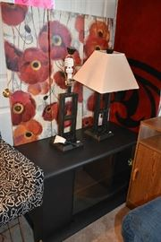 WALL ART, LAMPS, TV STAND