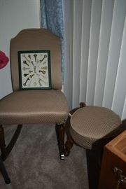 ACCENT CHAIR W/FOOTSTOOL