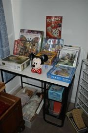 CRAFT TABLE, PUZZLES