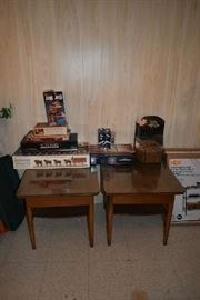 2 END TABLES, BOARD GAMES